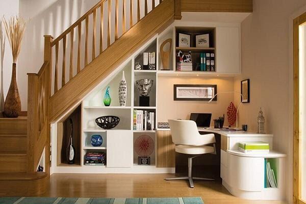Vai trò của cầu thang trong phòng khách