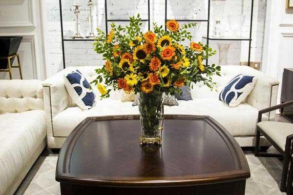 Lựa chọn bình hoa có kích thước phù hợp