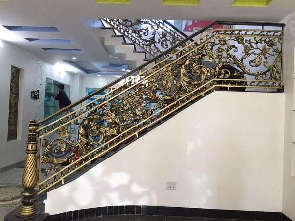 Lan can cầu thang nhôm đúc