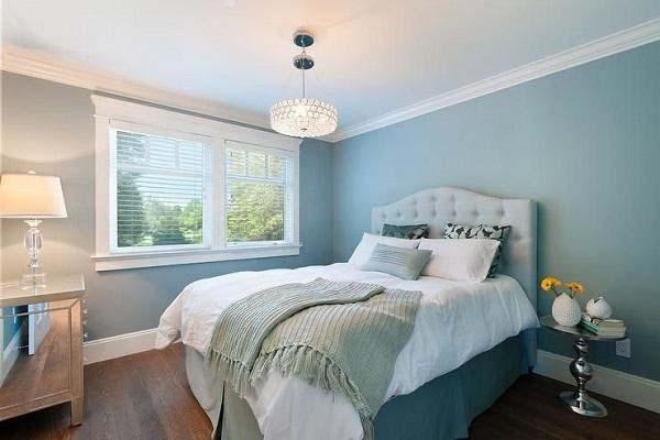 Thiết kế phòng ngủ với gam màu xanh dương